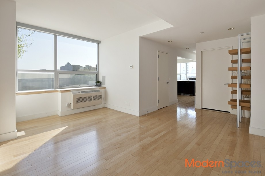 Condo with Trophy Views and large Terrace