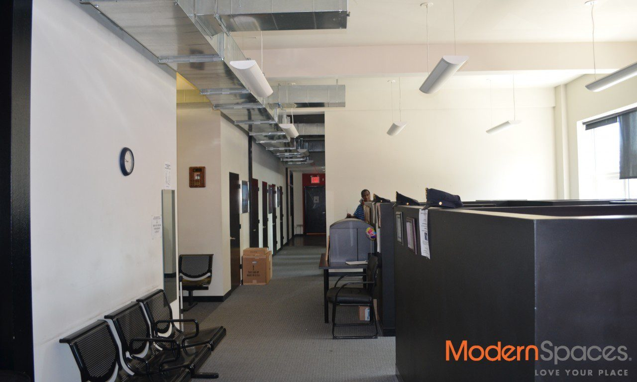 MODERN DESIGNED OFFICE ONE STOP FROM MIDTOWN