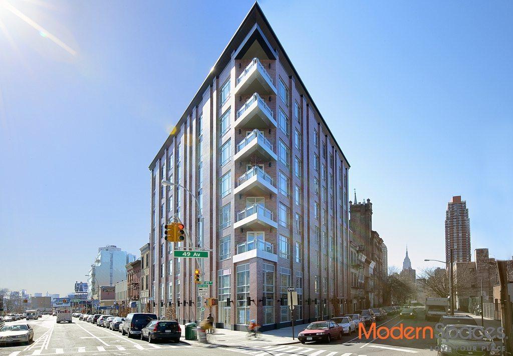 Three Bedroom, 3 BA Penthouse Duplex With Huge Terrace