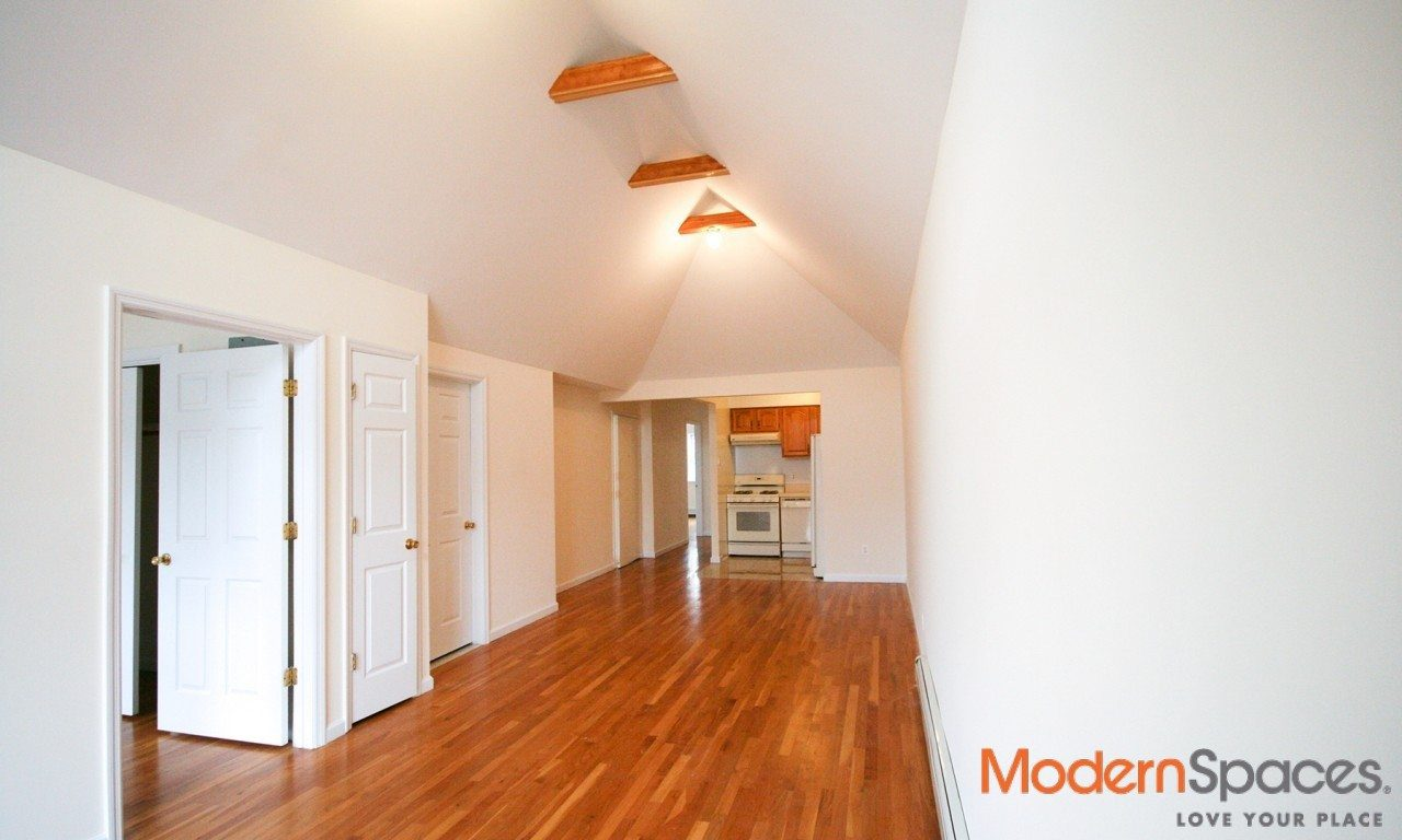 Exquisite 3 Family Townhouse ~ Heart of Astoria