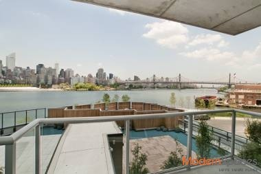 Absolutely Beautiful 1 Bedroom, 1 Bath – Water Front