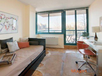 NO FEE* CHARMING 2 BED APT * ROOSEVELT ISLAND **