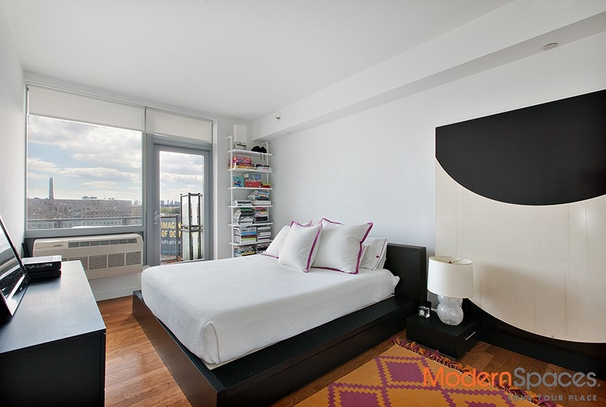 PRICE REDUCED!!! 2 BED W/PRIVATE ROOF CABANA – ONE HUNTERS POINT CONDOS