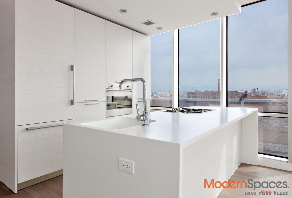 Elegant 2 Bed 2 Bath ~ Manhattan Views ~ Only 5 Minutes Away!