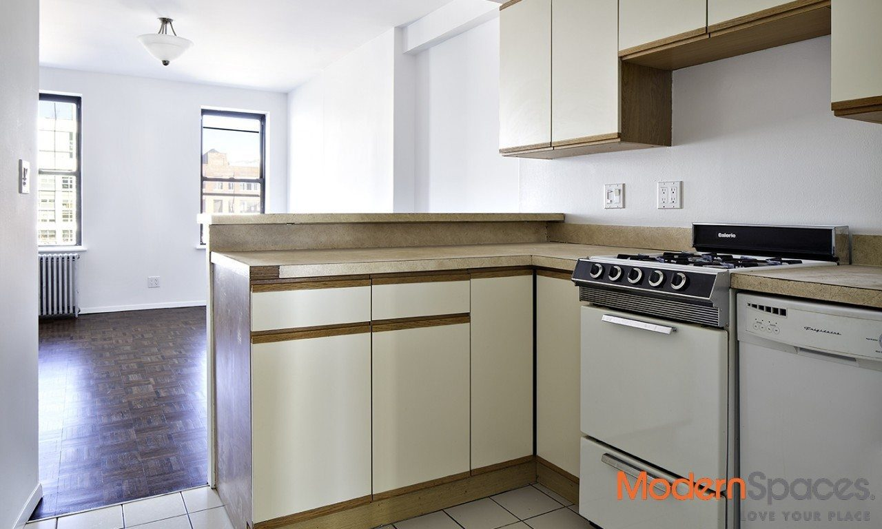 BEST DEAL IN LIC – ONE BED