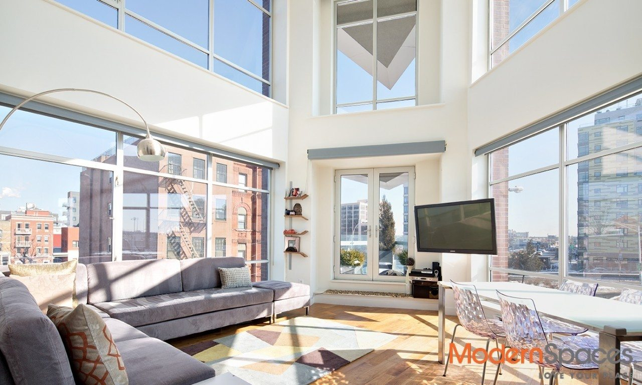 GORGEOUS 2 BED/2 BATH W/PARKING AND STORAGE SPACE