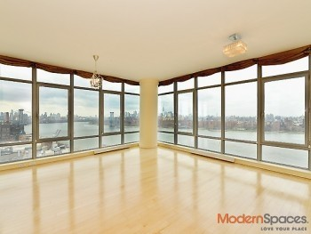 Spectacular Sun Soaked 2BR/2BA w/Panoramic Views Of Manhattan In One Northside Piers
