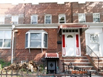 – 2 Family in Prime Astoria Location –