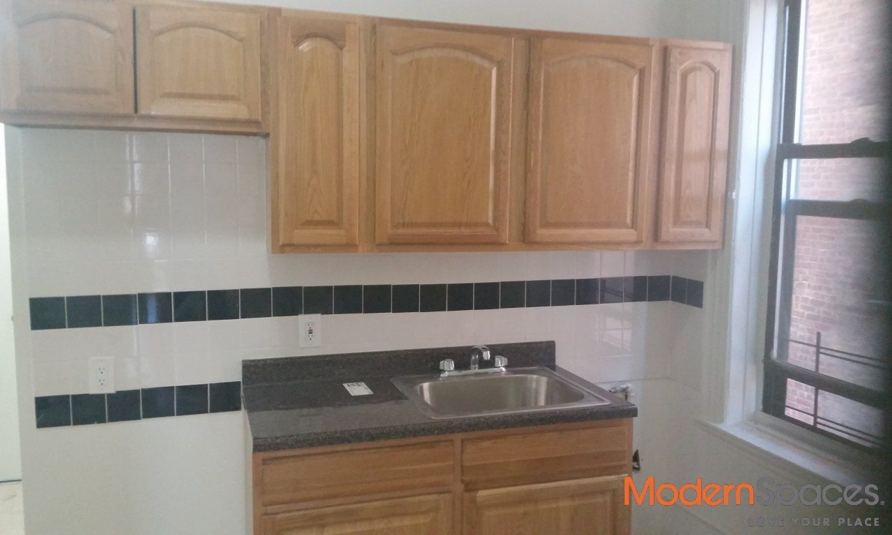 Newly Renovated 1 Bedroom Apartment Right off of Steinway!