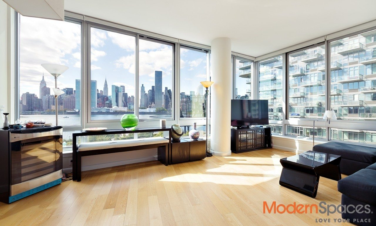 AMAZING CITY VIEWS AT THE VIEW – 2 BED/2 BATH