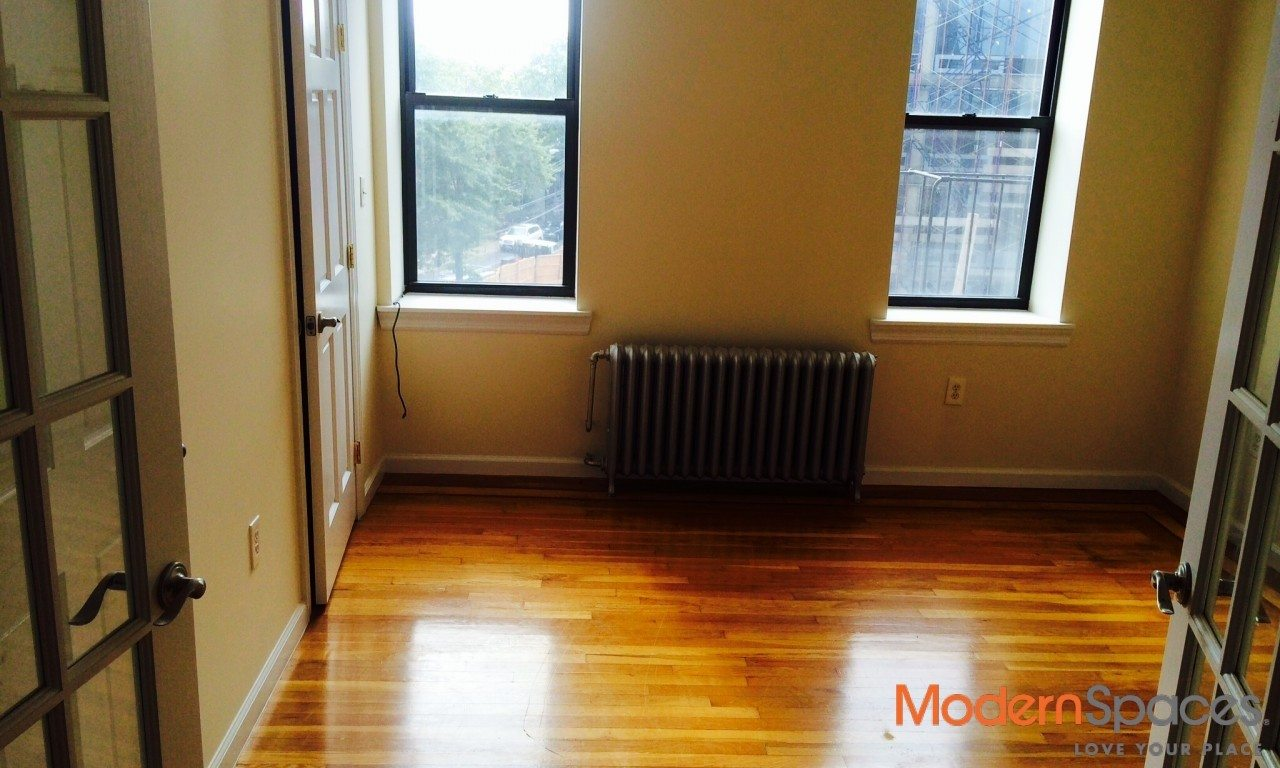 RENOVATED 1 BEDROOM APARTMENT STEPS FROM N & Q ASTORIA BLVD STOP
