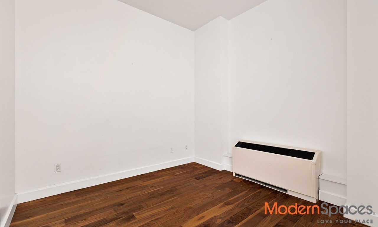 One bed w/home office – convertible two bedroom