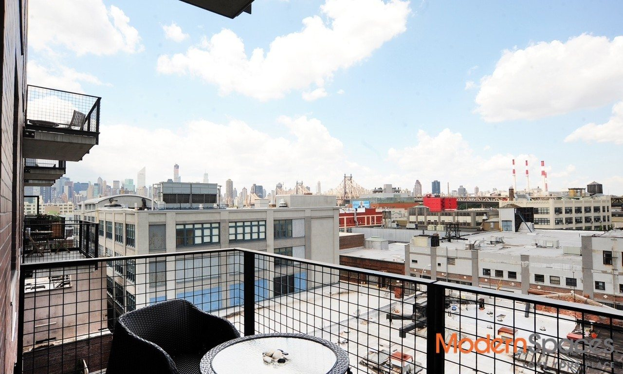 PH 1 Bed with Terrace & Views LIC