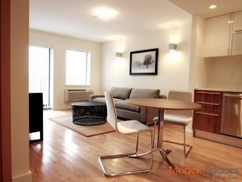 Prime Location, Luxury 2 Bedroom/2 Bath with Balcony