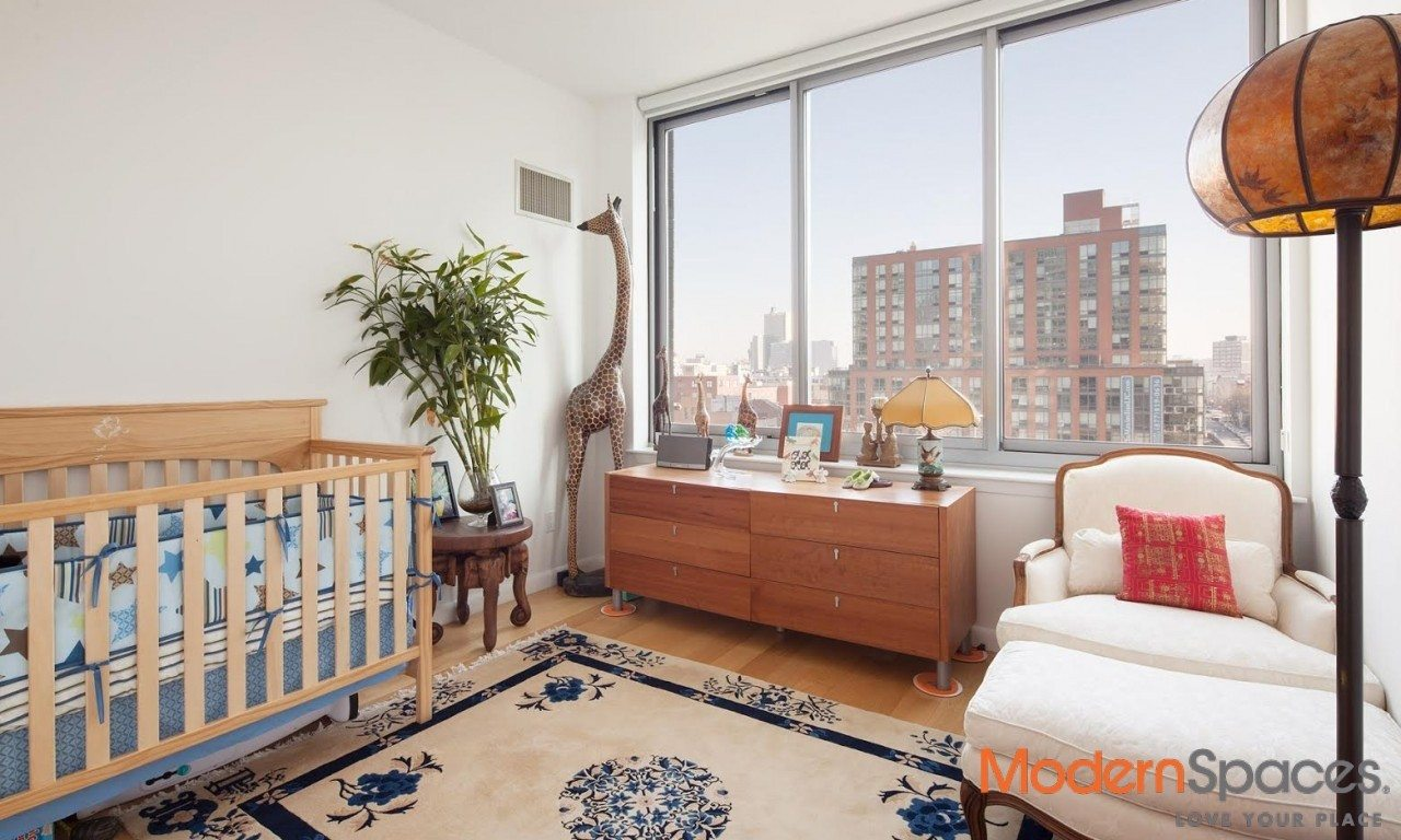 The View, 1583 sqft 3 bedrooms, 3baths with views of the east river and Manhattan Skyline.