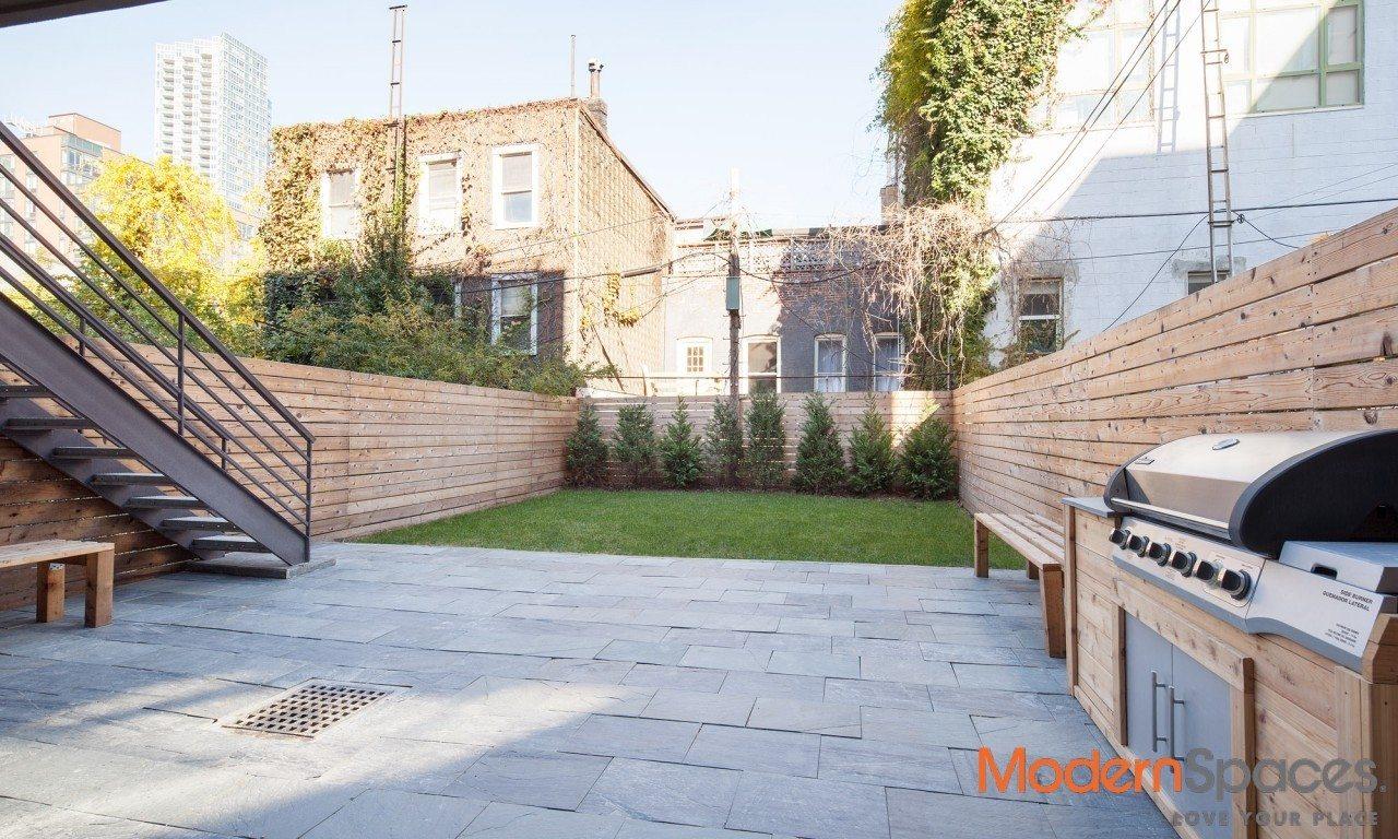 A Unique Luxurious 3 Bedroom Duplex With Landscaped Garden
