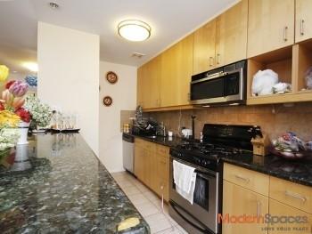 HUGE 3 Bedroom 1.5 Bath Duplex + Parking *1800 SQ FT*