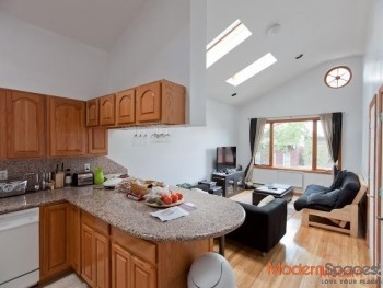 Large 3BR! Over 1000 Square Feet!