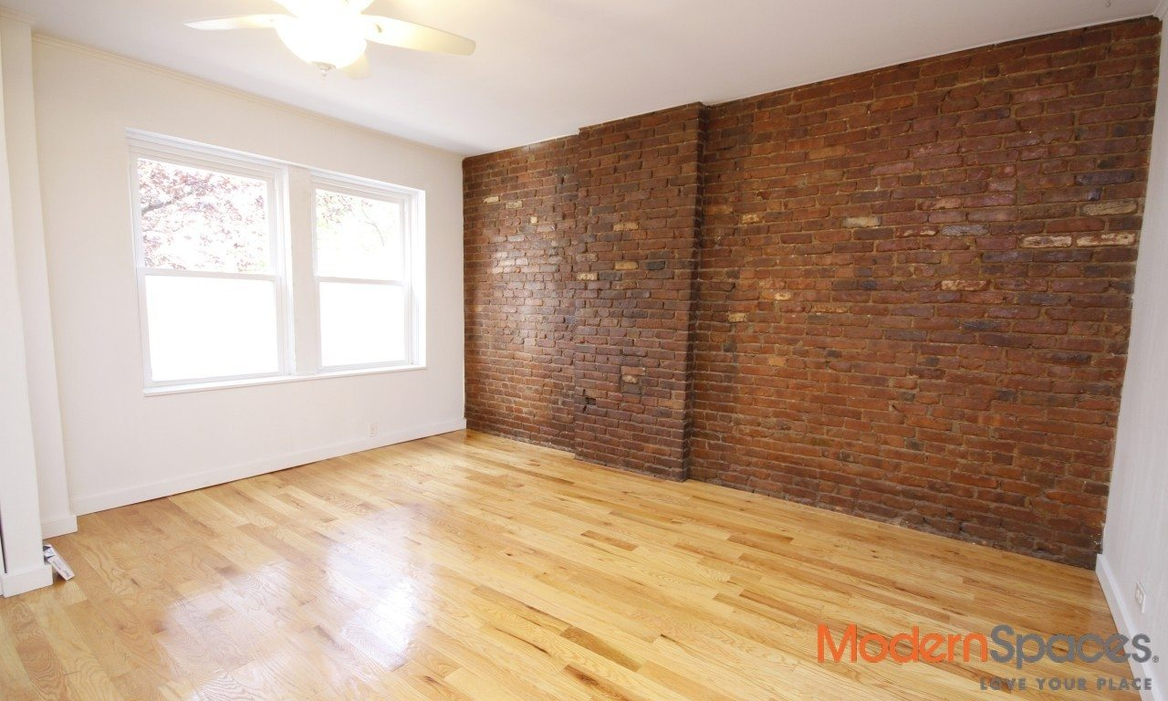 Available Now – Townhouse with Backyard in Long Island City