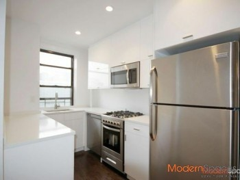 *AMAZING MODERN 3 BEDROOM APT * EXPOSED BRICK * ONE OF A KIND !