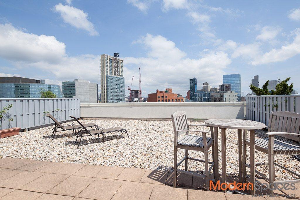 Gorgeous Penthouse 1281 sq ft 2BR 2BA plus 1100 sq ft Private Terrace