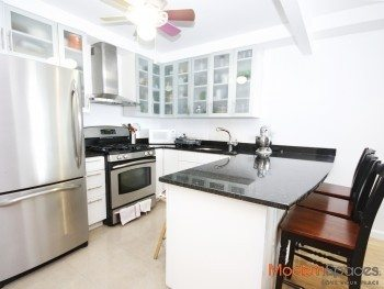 *Beautiful 2 bed/ 2 bath Condo w/ Terrace* Gym * City Views !