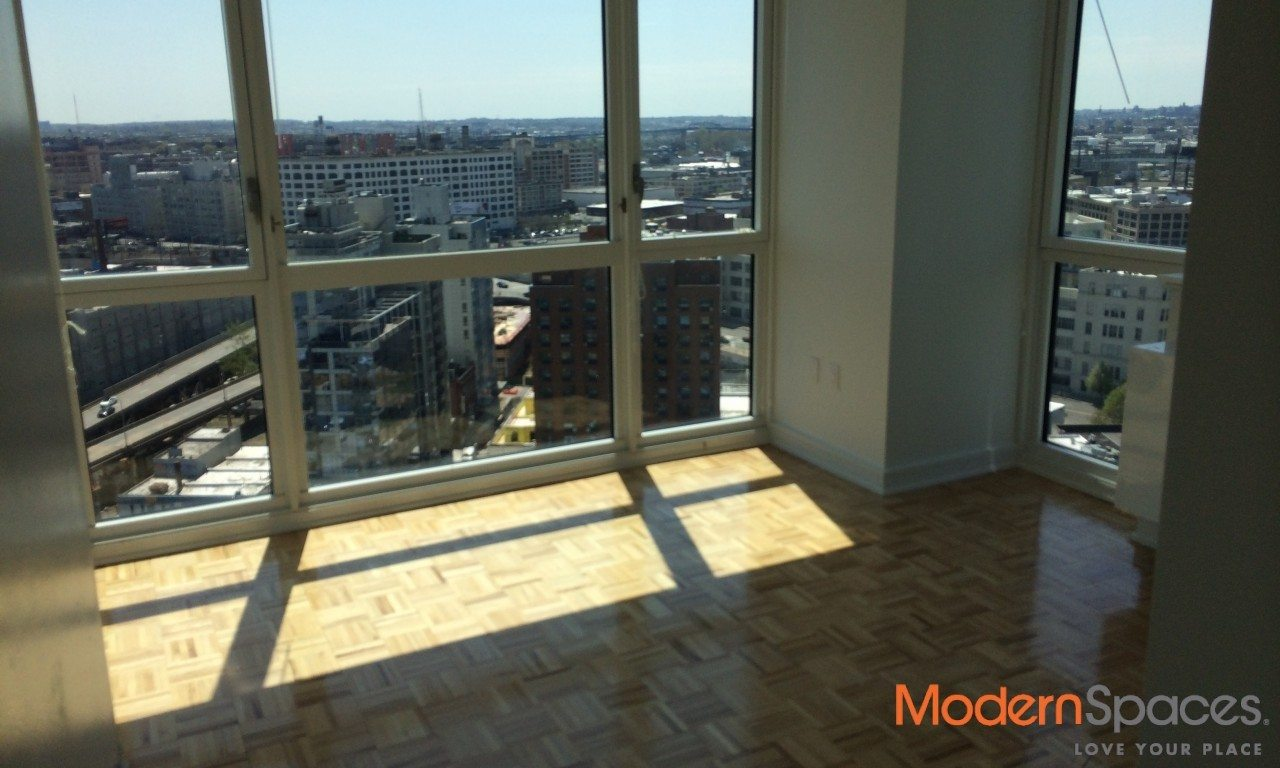 NO FEE 3 BED/2 BATH – CITY VIEWS