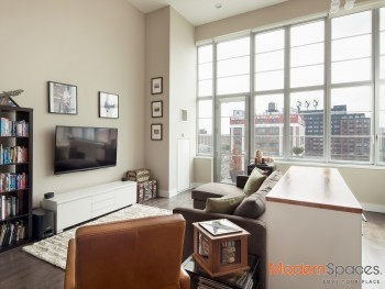 True Gem – 17ft Ceiling with Stunning Manhattan Views