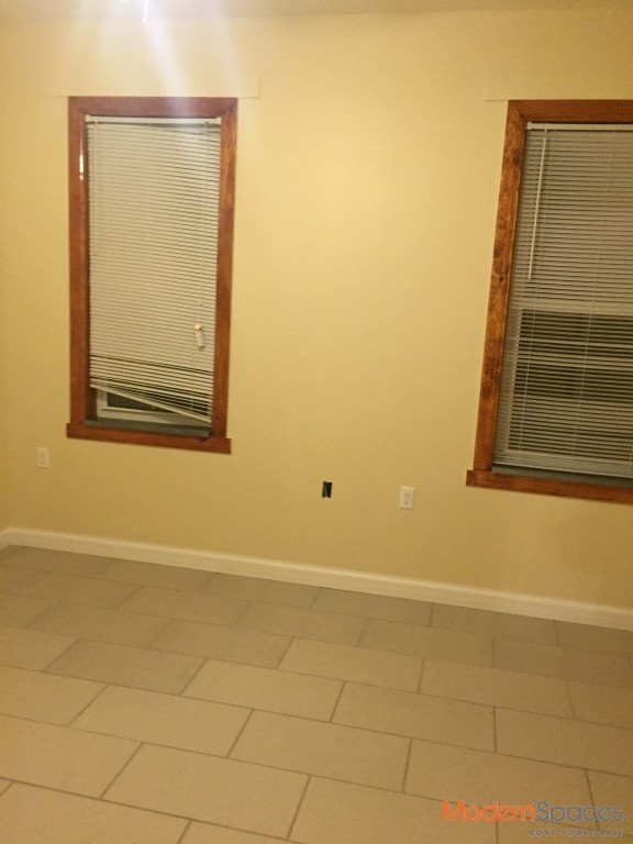 Amazing renovated 3br with balcony in astoria