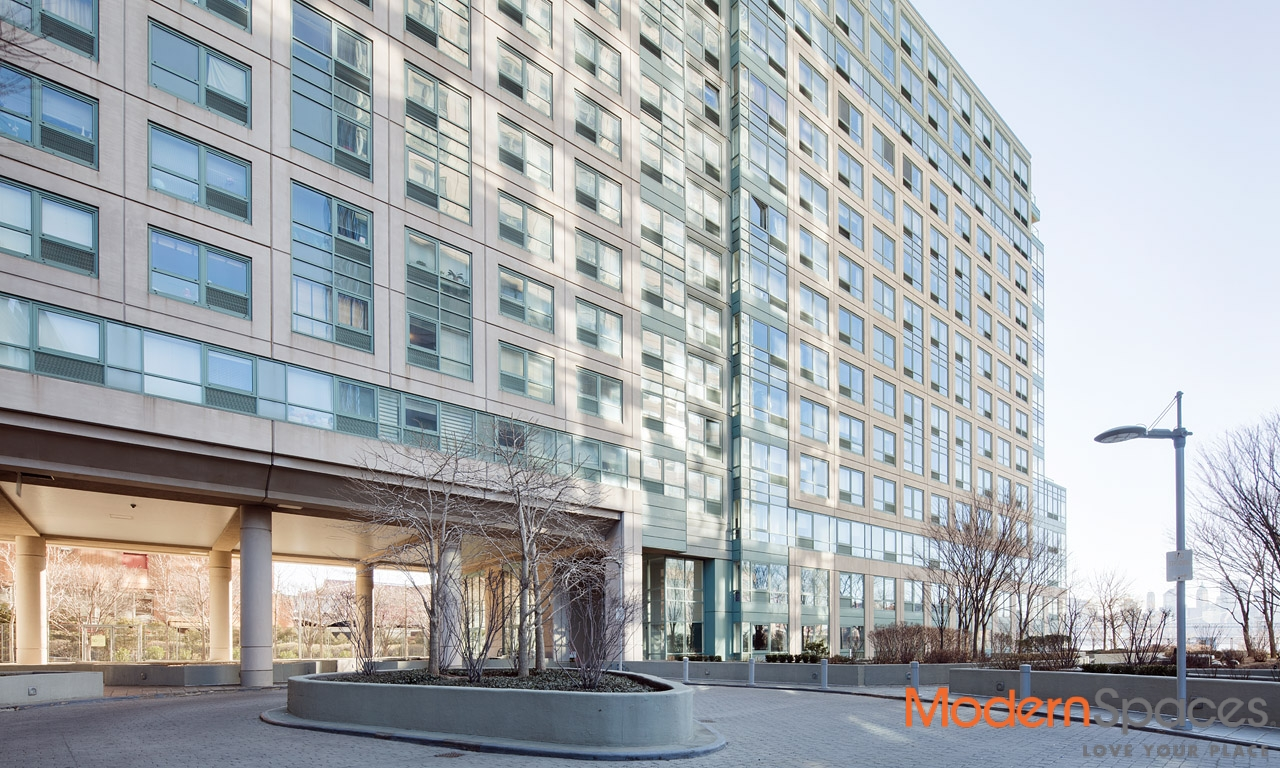 SPECTACULAR CITY VIEWS – 3 BED/2 BATH SCHAEFER LANDING CONDO IN WILLIAMSBURG