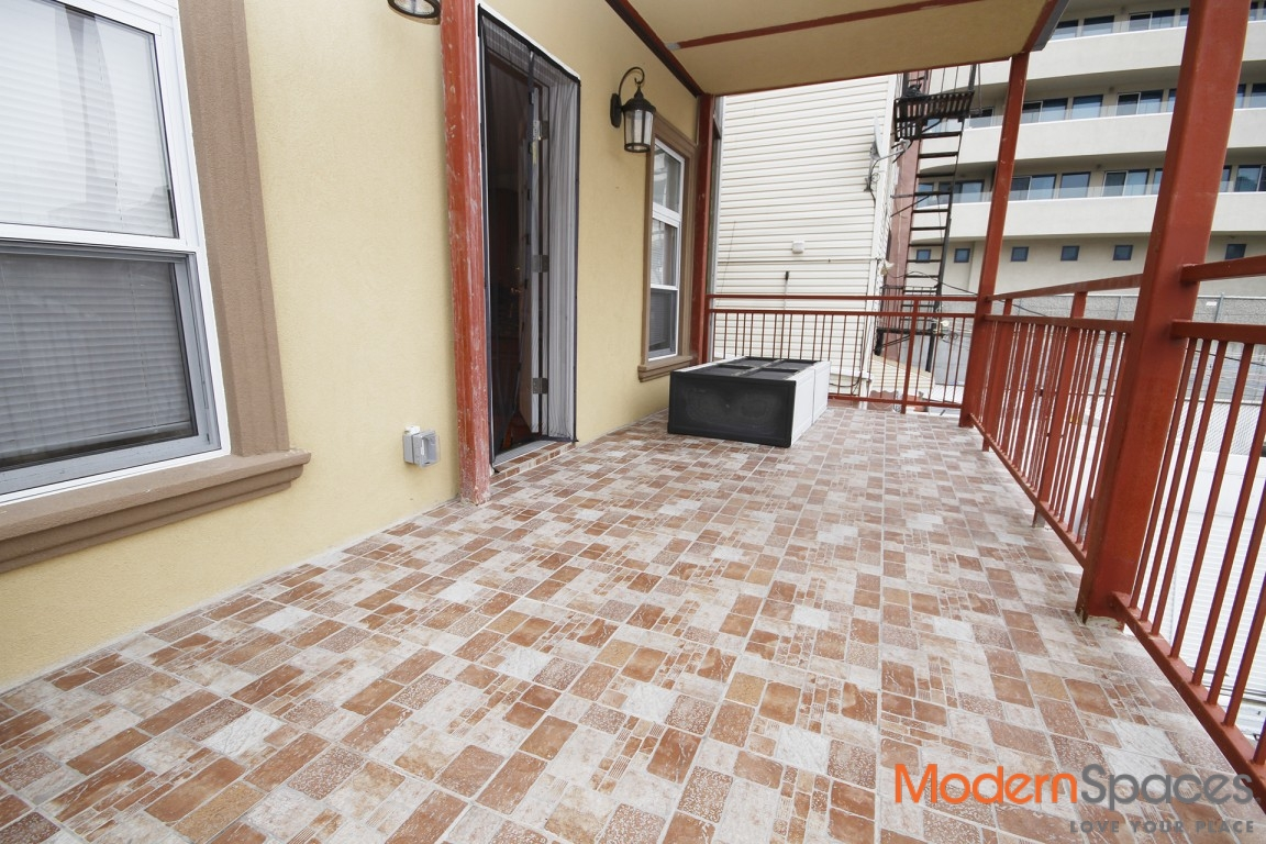 Fully renovated large 2 bed/huge terrace/Astoria