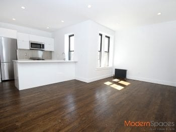 * Lavish 3 Bedroom * Exposed Brick * Modern Finishes !