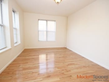 *Huge 3 Bedroom Apt* Prime Ditmars Location – Just Renovated !!