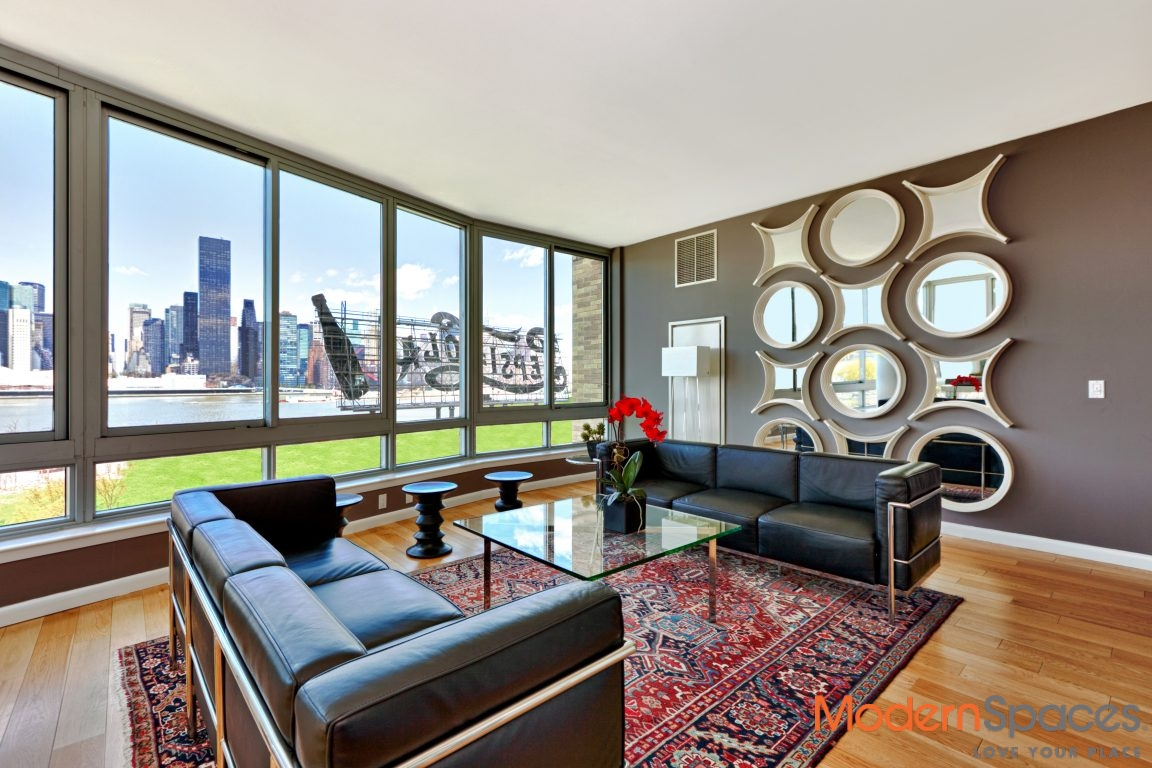 The View, Beautiful 1653 sqft 3 bedrooms 3 baths rental with direct river and city views, available July 1st.