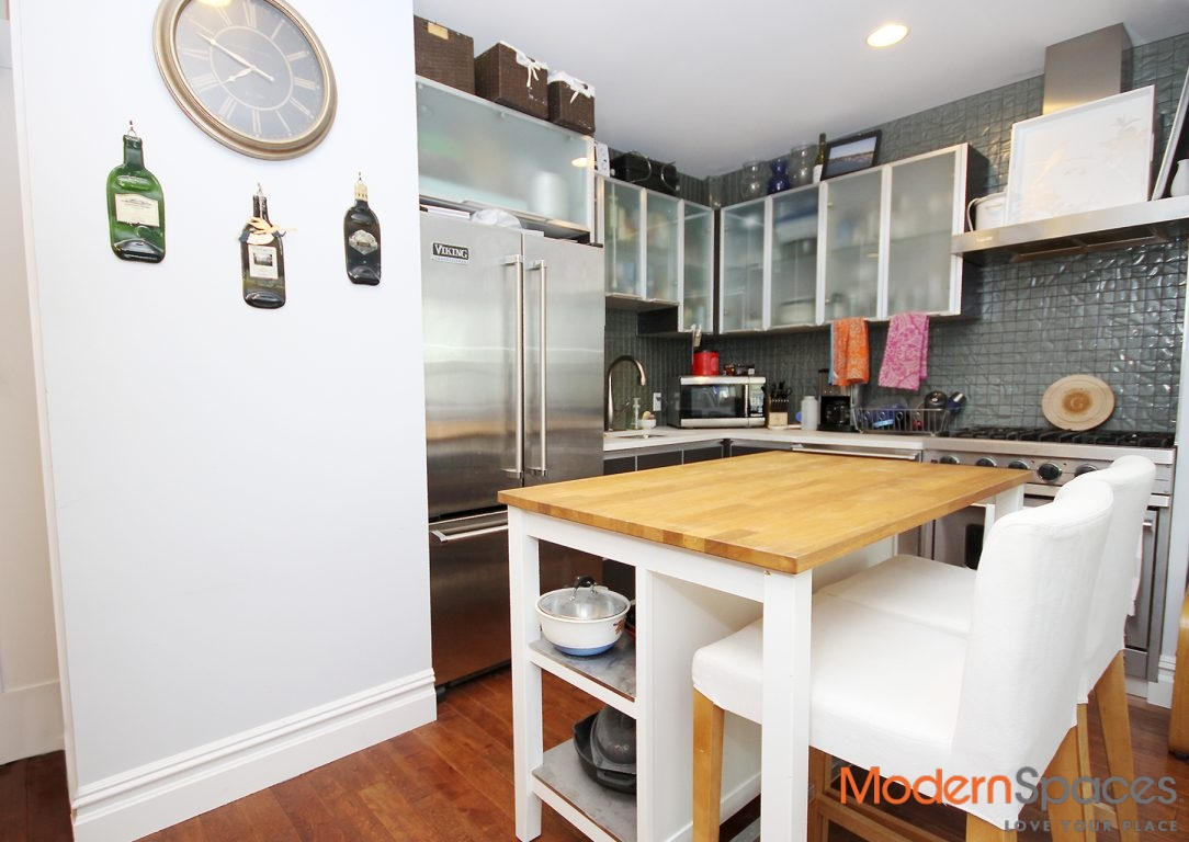 Best Priced One Bed Luxury Condo in Hunters Point LIC with Washer/Dryer