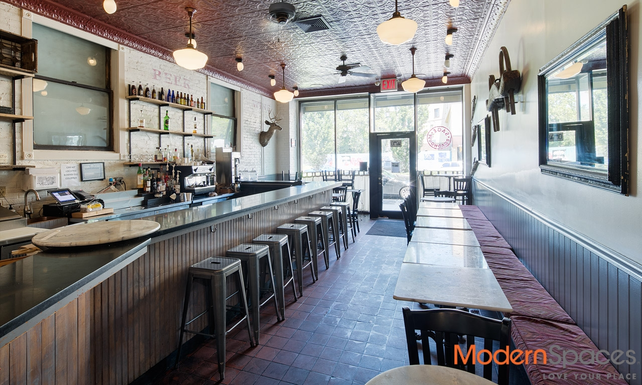24-20 JACKSON AVE RETAIL SPACE / ESTABLISHED RESTAURANT IN LIC COURT SQ