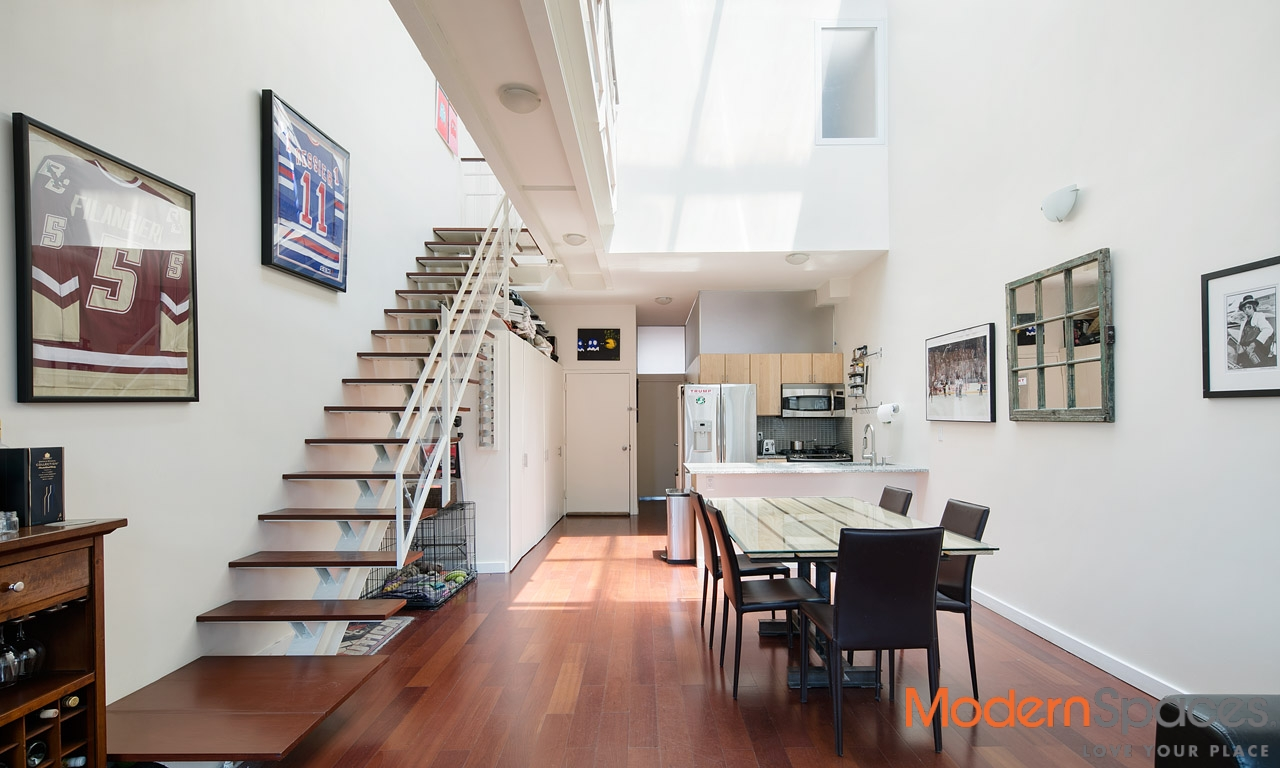 AMAZING MODERN 2 FAMILY TOWNHOUSE WITH 2 3-BED DUPLEXES