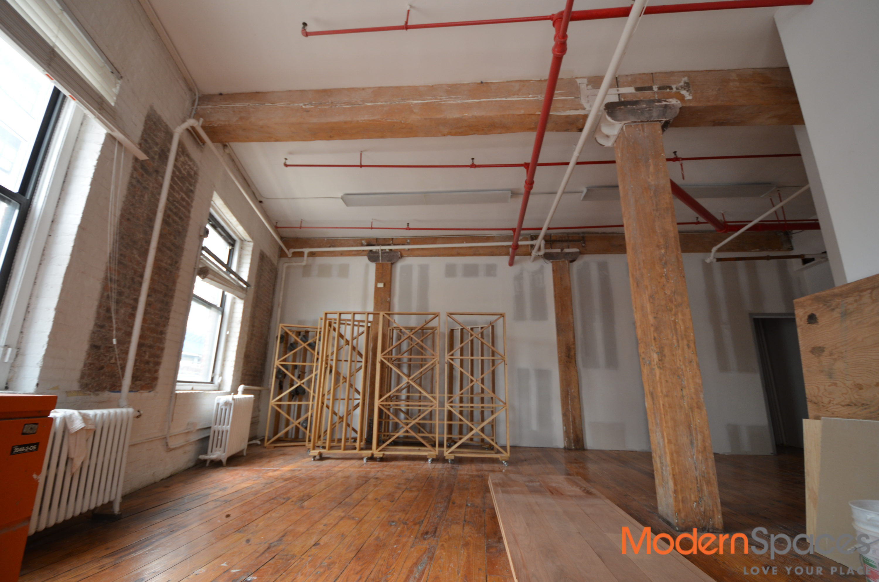 Loft Office Space In LIC