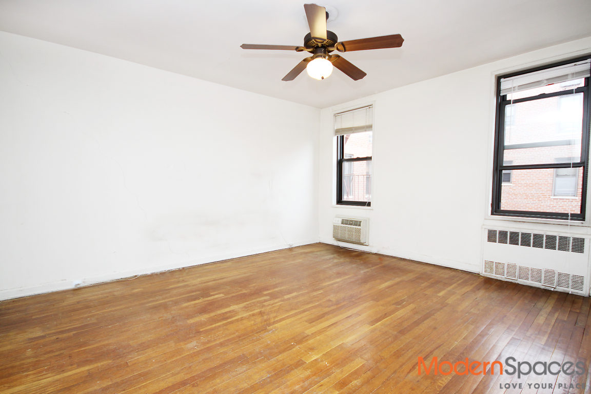 Back On The Market! 3 Bed/2 Bath at The Arlington in Briarwood