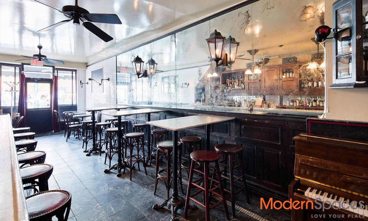 Restaurant for sale on Vernon Blvd Best Location