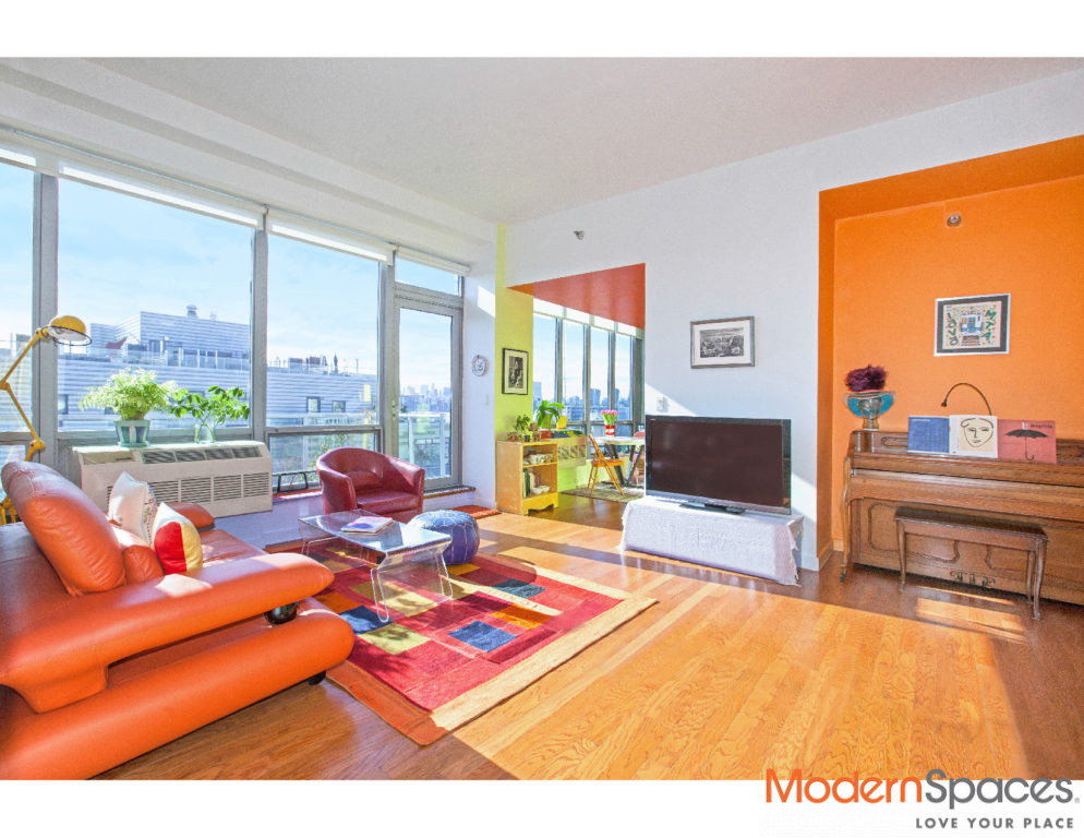 Sunny South-Facing 1Bed Penthouse w/River View and Private Balcony