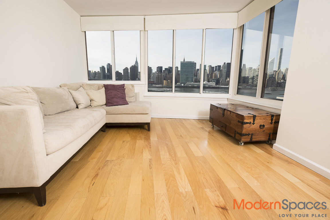 3 Bedroom 2 Bath with Direct City And River Views
