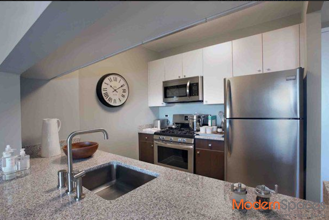 No Fee+1 Month Free 2 Bedrooms 2 Baths with huge terrace and 24 hrs Doorman