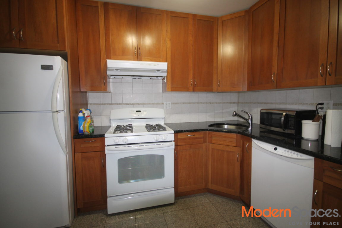 2 Bedroom Near Astoria Park