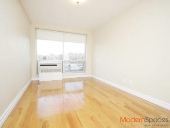 1 bed with high end finishes*Steinway Street