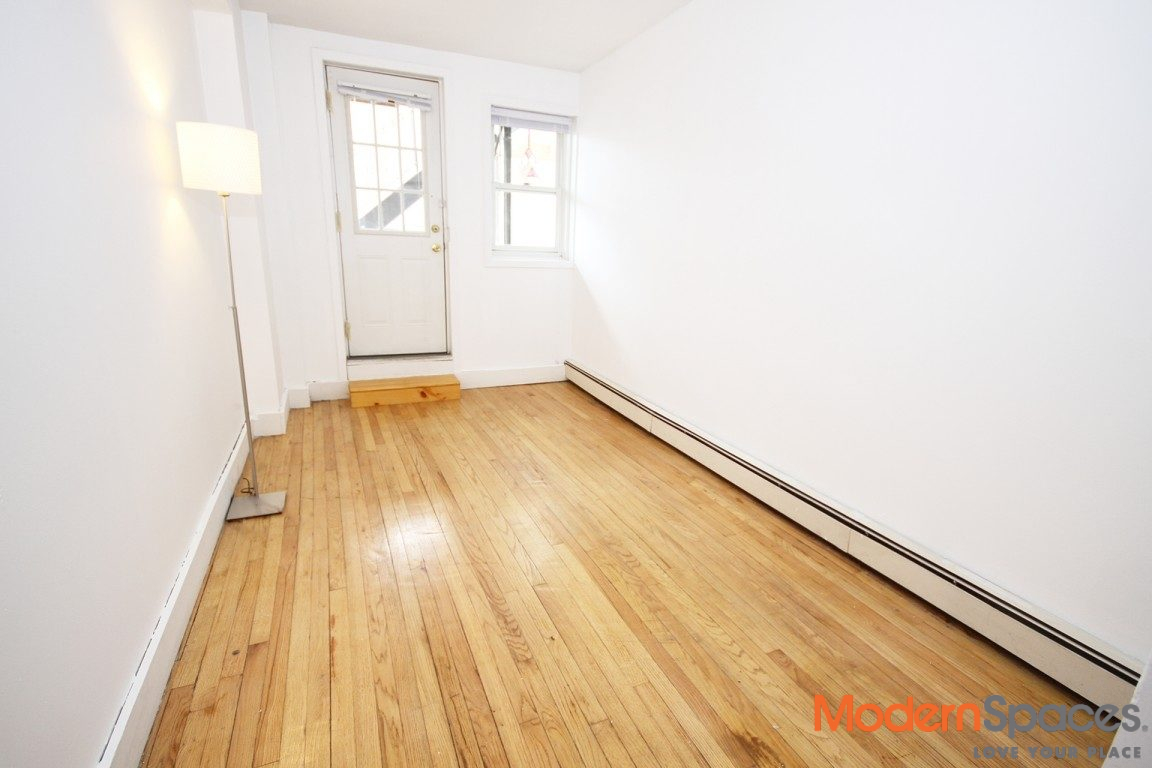 1 Bed – W/D – Outdoor Space – Parking