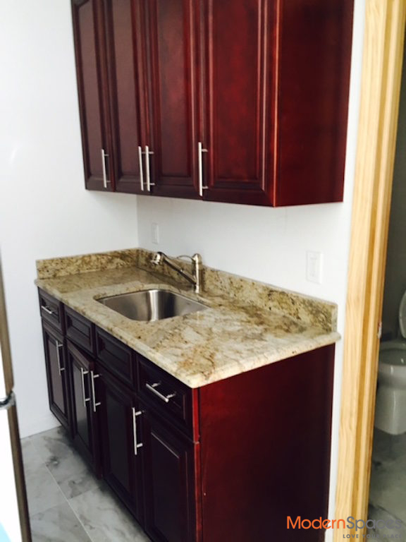 Excellent location*Newer building*one bed