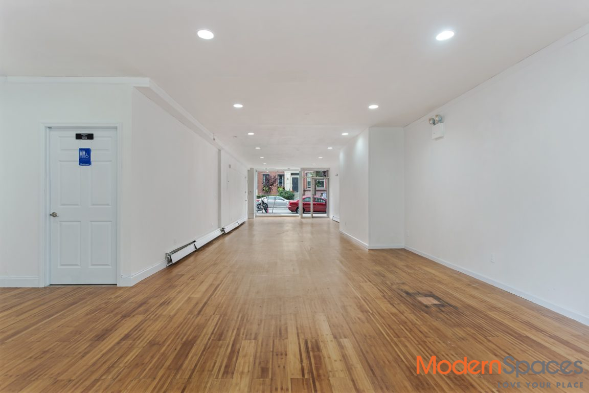 New Retail Lease Available in LIC 1250 sqft with bonus of 800 sq ft Private Yard