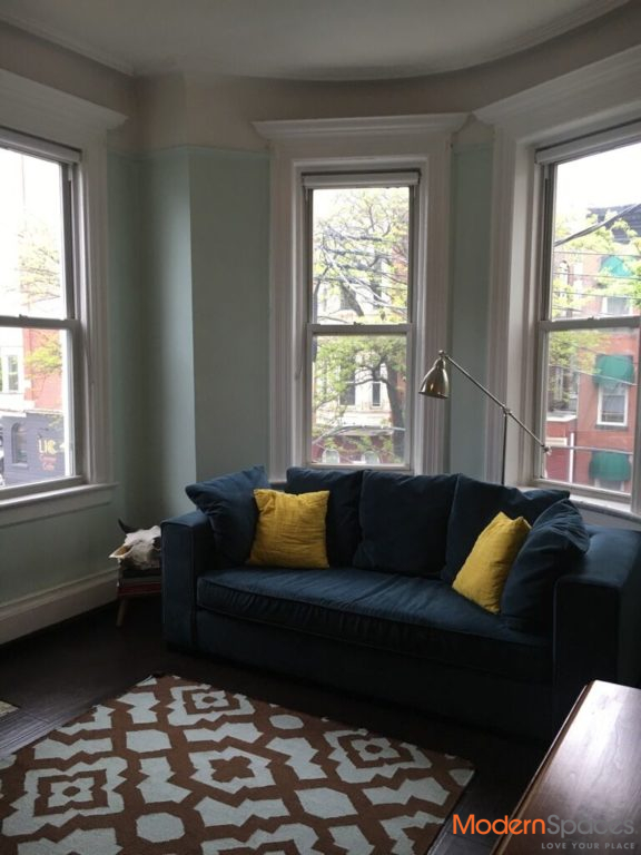 3 BED W/YARD IN CHARMING BROWNSTONE – AWESOME DEAL!!