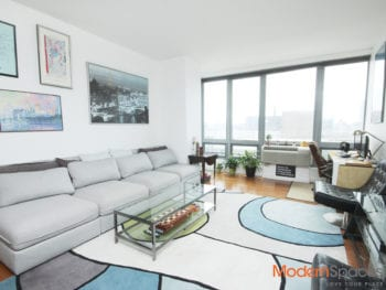 XL 782 sqft 1 BR apt with Private Balcony in LIC!!